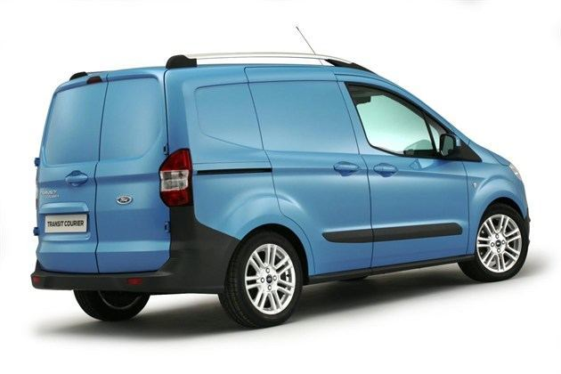 673120_All -new Ford Transit Courier  (4)